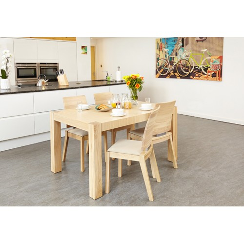 Olten Uno - Extending Dining Table in Light Oak Finish