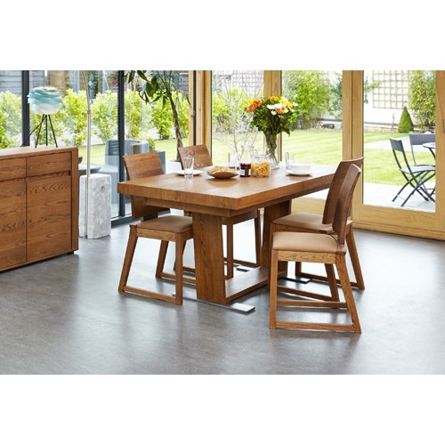 Olten - Extending Dining Table in Oak Finish